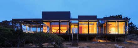 Casa Tunquén: Casas de estilo minimalista por Nicolas Loi + Arquitectos Asociados