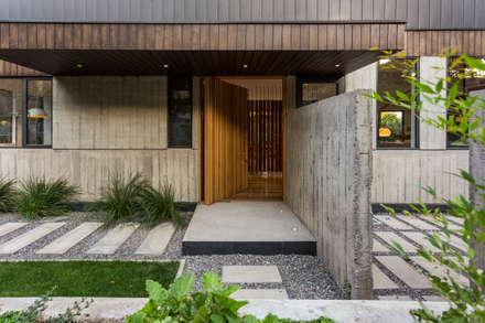 Casa Lo Curro: Casas de estilo minimalista por Nicolas Loi + Arquitectos Asociados