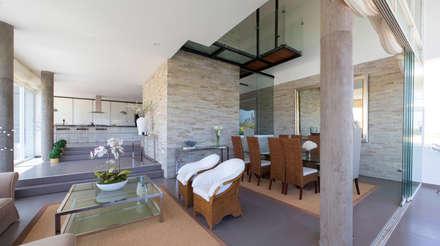 3 Familias - 3 Cubos: Comedores de estilo moderno por Chetecortes Arquitectos