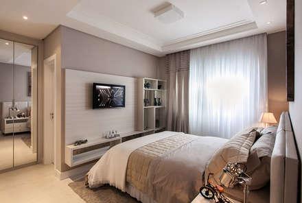 Suite Fundos: Quartos  por Flávia Kloss Arquitetura de Interiores