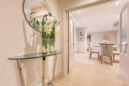 Sandbanks Show apartment:  Corridor & hallway by SMB Interior Design Ltd