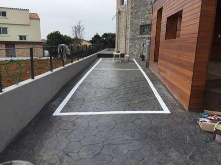 modern Garage/shed by 원건축
