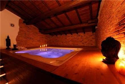 Baños de estilo rústico por Aquazzura Piscine