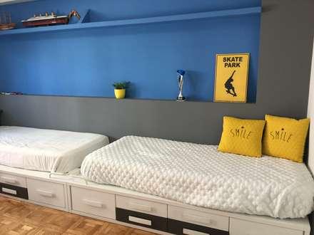 Cama doble: Dormitorios infantiles de estilo moderno de Noelia Villalba