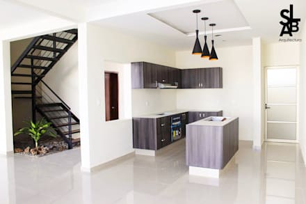 Casa Lagunas: Cocinas de estilo moderno por Slab Arquitectos