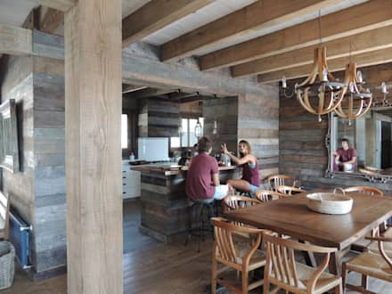 casa Balmaceda - Fontaine: Comedores de estilo moderno por David y Letelier Estudio de Arquitectura Ltda.