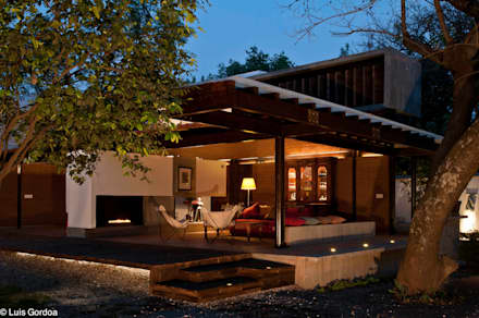 CASA LAS MANDARINAS: Terrazas de estilo  por M+N Arquitectos