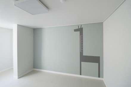 Walls by 예가컴퍼니