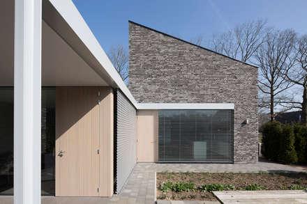 Casas ecológicas de estilo  de Joris Verhoeven Architectuur