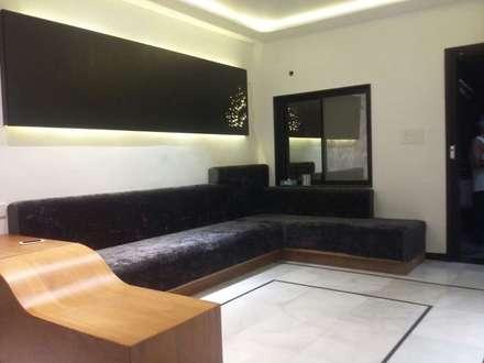 moderner Multimedia-Raum von IDcreators Interior Designers