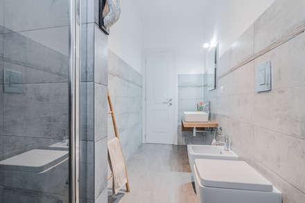 Ristrutturazione appartamento Milano, Tibaldi: Bagno in stile in stile Moderno di Facile Ristrutturare