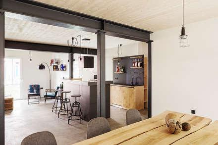 Shared Living Apartments :  Hotels von SEHW Architektur GmbH