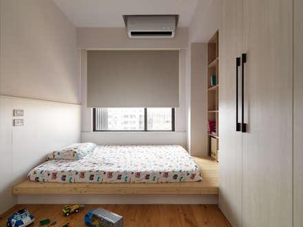 范宅 小孩房 :  臥室 by 璞延空間設計