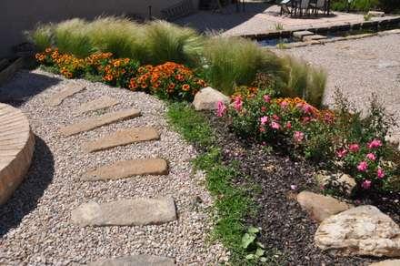 SERVICIOS DE MANTENIMIENTO: Jardines de estilo mediterráneo de jardinista