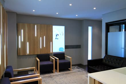 Ospedali in stile  di Black Canvas Architectural Interiors
