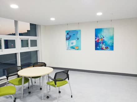 Office buildings by 주식회사 모모스케치