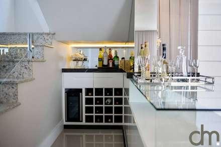 ห้องเก็บไวน์ by dm arquitetura e interiores - Dayane e Marina Chemin