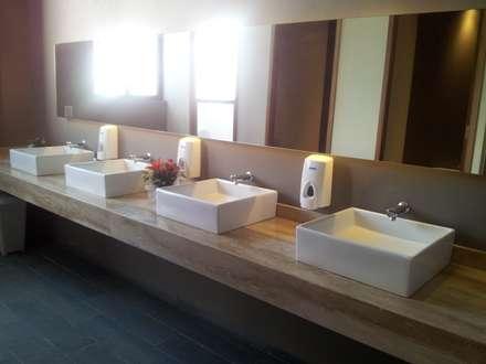 Proyecto Baño Old Grangonian: Baños de estilo moderno por Muebles Menard