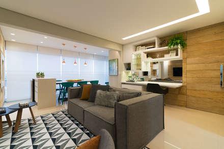 Sala de Estar com Varanda Integrada: Salas de estar modernas por Danyela Corrêa Arquitetura