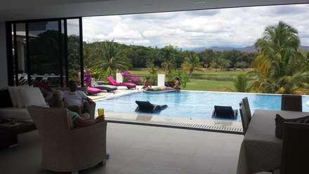 """Casa Campestre Condominio """"El Peñon"""" Girardot / Tel: 3125831655: Piscinas de estilo minimalista por Construcciones Cubicar S.A.S"""