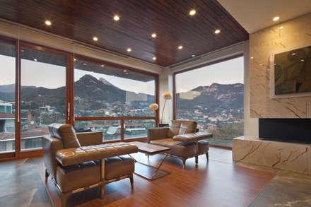 2층 침실: 건축사사무소 모도건축의  침실