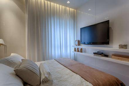 Quarto Casal : Quartos  por Renata Basques Arquitetura e Design de Interiores