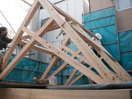 シザーストラスの小さなアトリエ: 木造トラス研究所・株式会社 合掌が手掛けた家です。