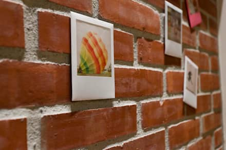JIMU 泰山林宅:  牆壁與地板 by 吉畝室內裝修有限公司