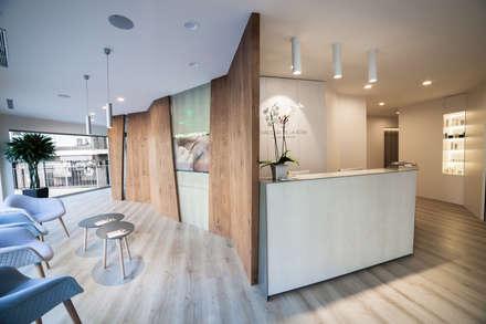 Phòng khám by Kubbs Barcelona