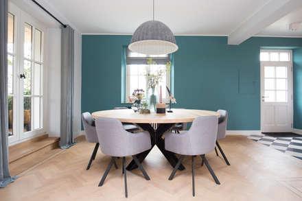 Interieurontwerp woning Duitsland: landelijke Woonkamer door Mignon van de Bunt Interieurontwerp, Styling & Realisatie