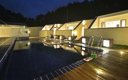 르샤트리: 건축사사무소 어코드 URCODE ARCHITECTURE의  수영장