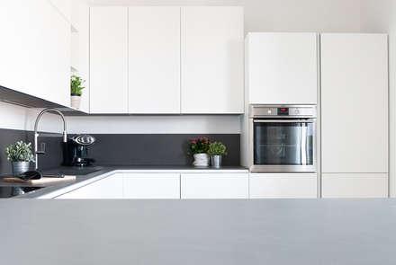 cucina minimal: Cucina in stile in stile Minimalista di Made with home