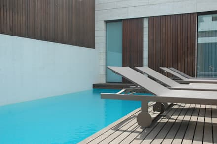 modern Pool by MOYO Concept