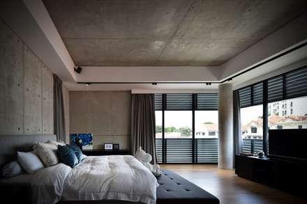 OF邸: Sen's Photographyたてもの写真工房すえひろが手掛けた寝室です。