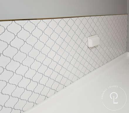 Walls by 캐러멜라운지