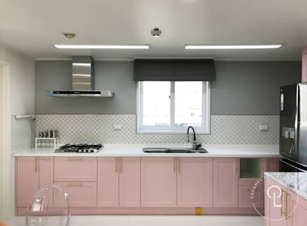 modern Living room by 캐러멜라운지