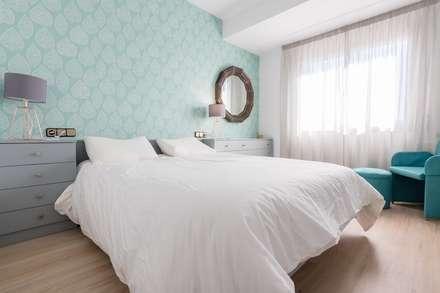 Reciclando elementos: Dormitorios de estilo moderno de eM diseño de interiores