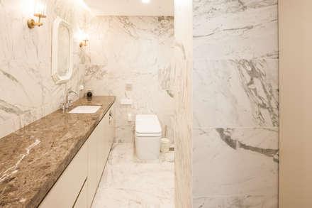 따뜻한 감성의 욕실: 영보디자인  YOUNGBO DESIGN의  화장실