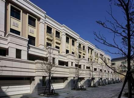 輕巴洛克集合住宅:  房子 by 禾御建築室內設計有限公司