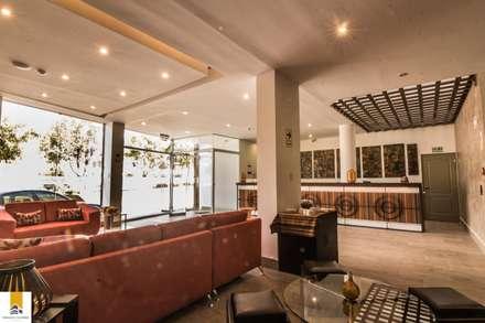 Lobby: Hoteles de estilo  por FRANCO CACERES / Arquitectos & Asociados