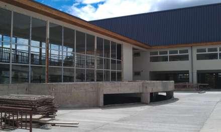 مدارس تنفيذ Dušan Marinković - Arquitectura