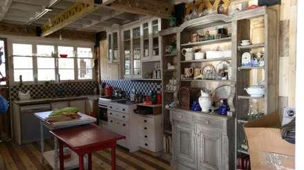 CASA ISABEL RAIES R.- PELEQUÉN: Cocinas de estilo minimalista por Dušan Marinković - Arquitectura