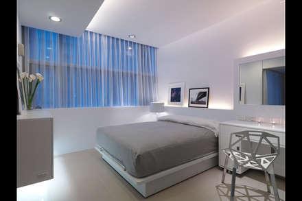 minimalistic Bedroom by 邑法室內裝修設計有限公司