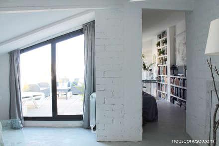Reforma duplex: Dormitorios infantiles de estilo mediterráneo de Neus Conesa Diseño de Interiores