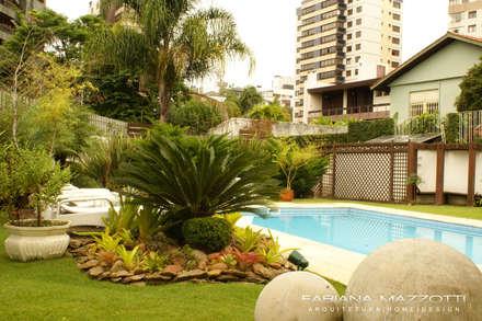 Paisagismo: Jardins clássicos por Fabiana Mazzotti Arquitetura e Interiores