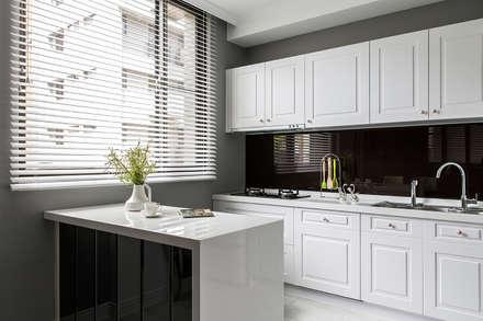 朵朵-透天:  廚房 by 齊家。空間設計