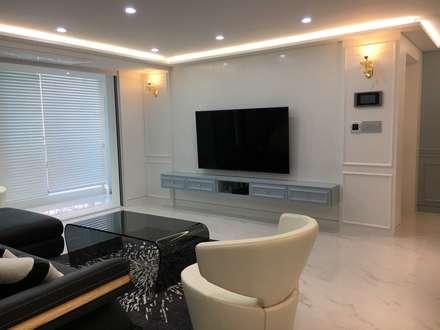 modern Living room by Design Partner Blue box