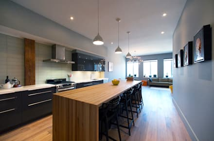 : modern Kitchen by Solares Architecture