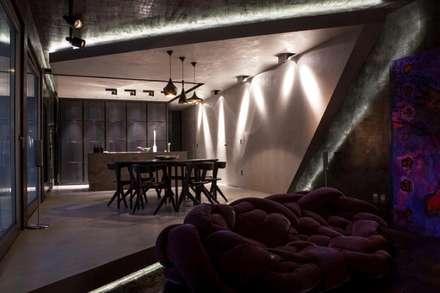 open space: Sala multimediale in stile  di Piertito Cardillo    Interior | Design | Architecture