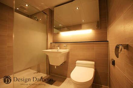 modern Bathroom by Design Daroom 디자인다룸